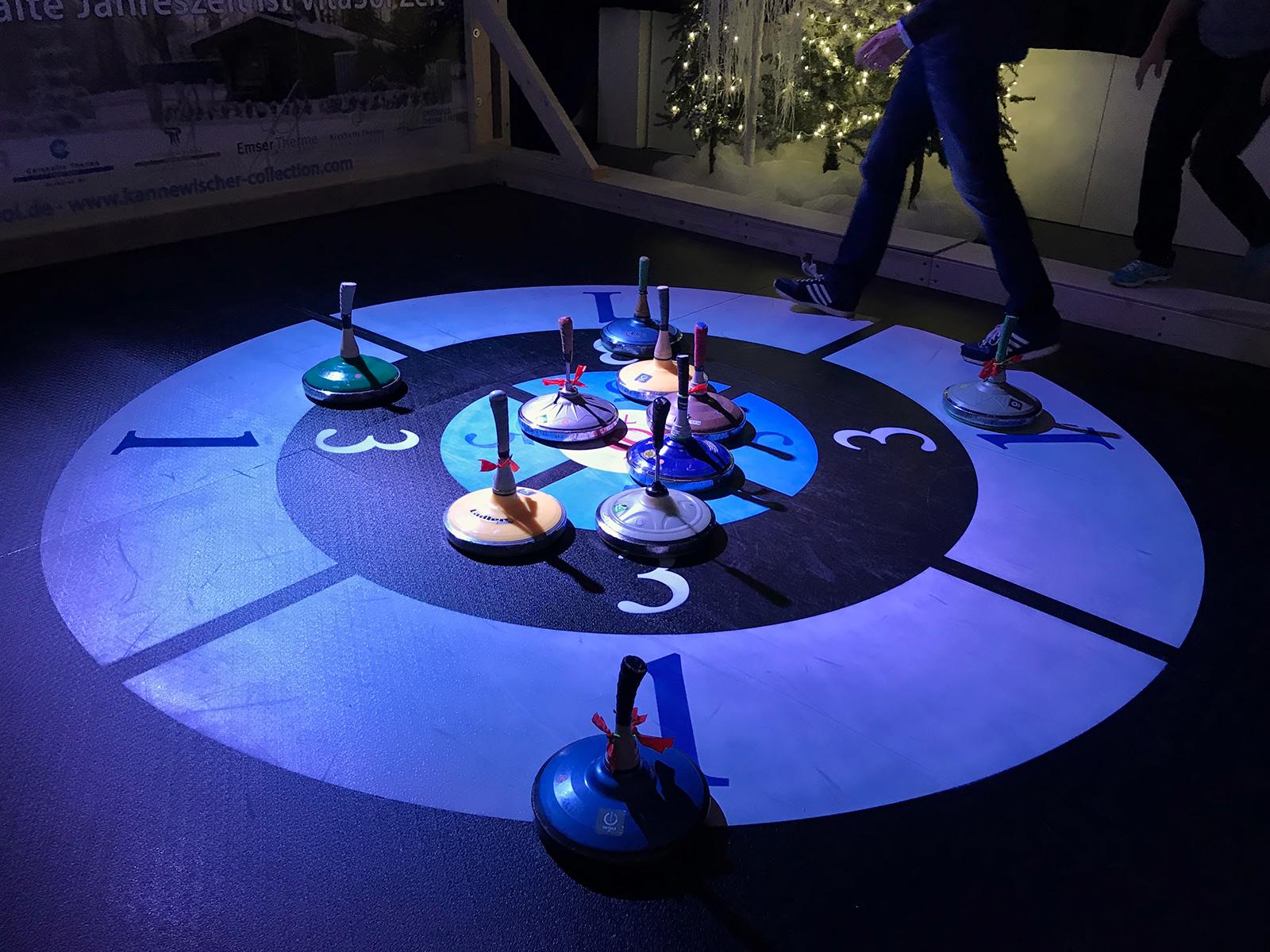 Eisstockschießen Berlin Weihnachtsfeier.Was Pr Mit Eisstock Curling Zu Tun Hat Und Was Nicht
